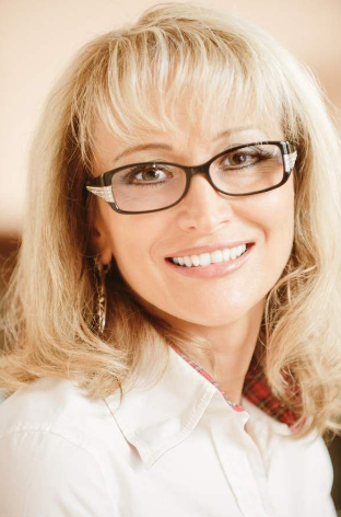 Hairstyles for over 50 with Glasses